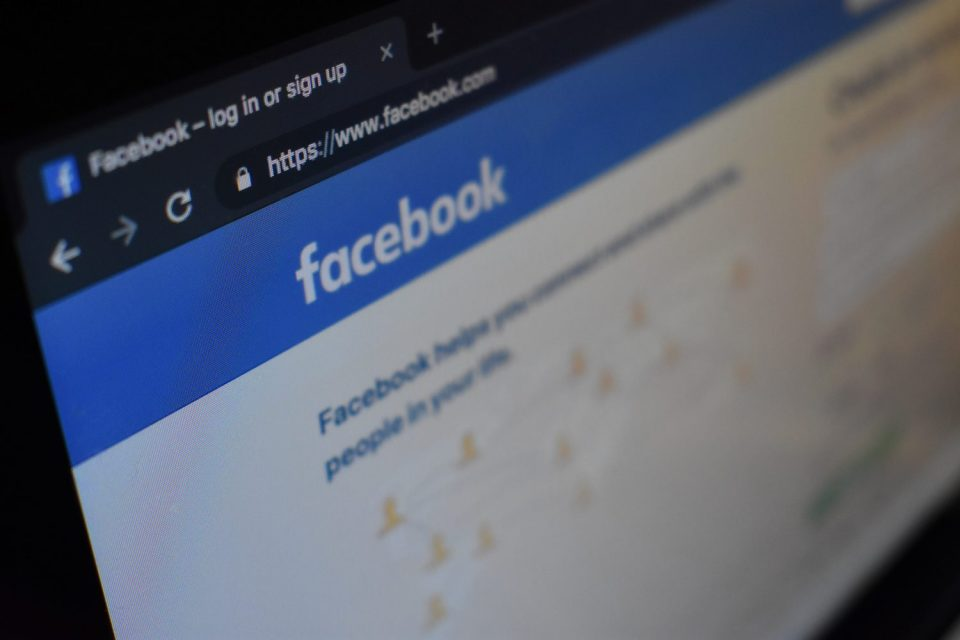 FG Partners Facebook To Train 20,000 Youths In Digital Software